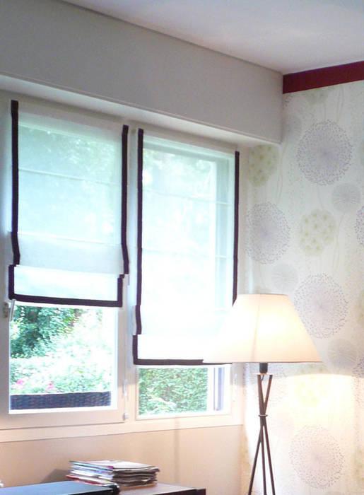 Chambre détails: Chambre de style  par Delphine Gaillard Decoration