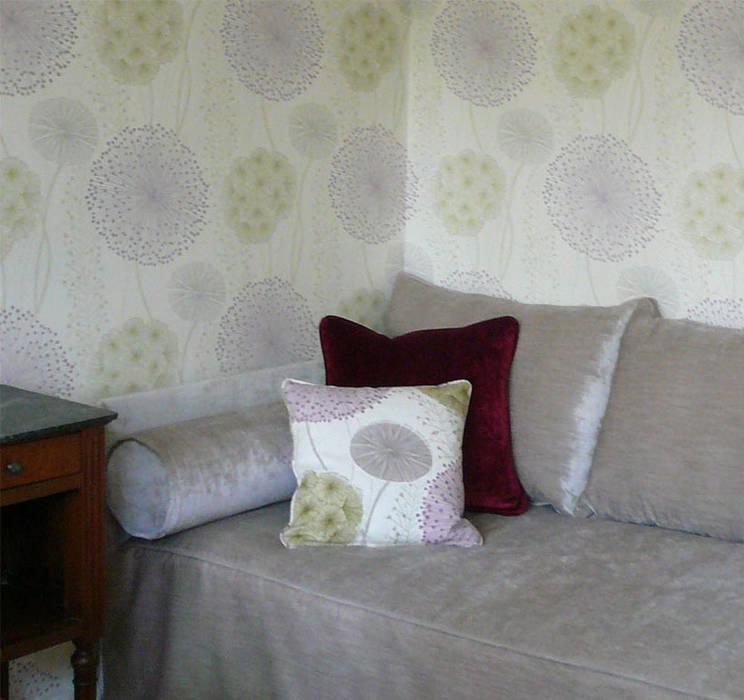 Elégant canapé sur mesure Chambre par Delphine Gaillard Decoration