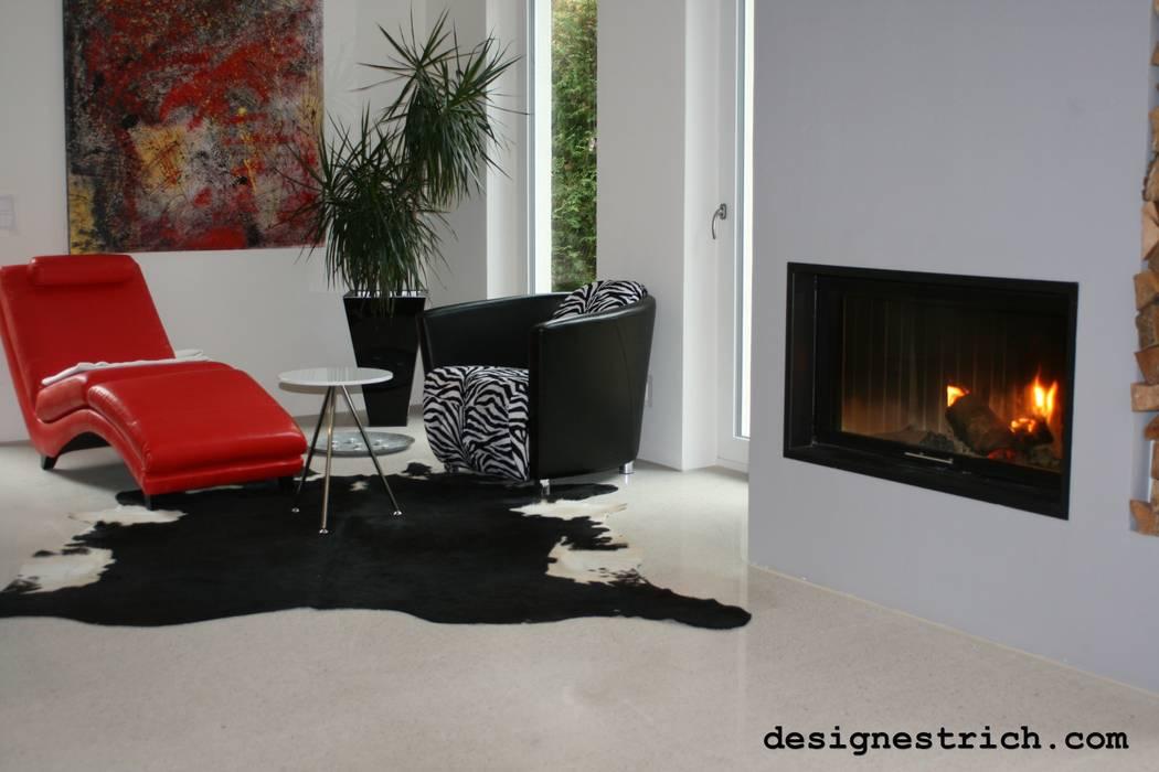 geschliffener Designestrich Moderne Wohnzimmer von EPT Baugesellschaft mbH & Co. KG Modern
