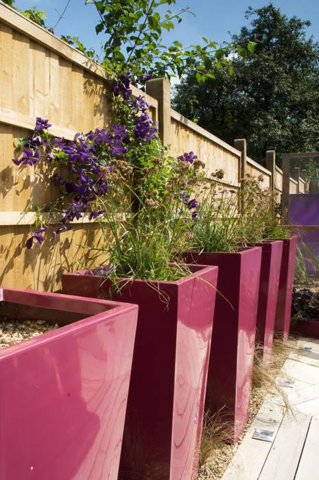 Party garden in Sevenoaks, Kent Earth Designs Moderner Garten