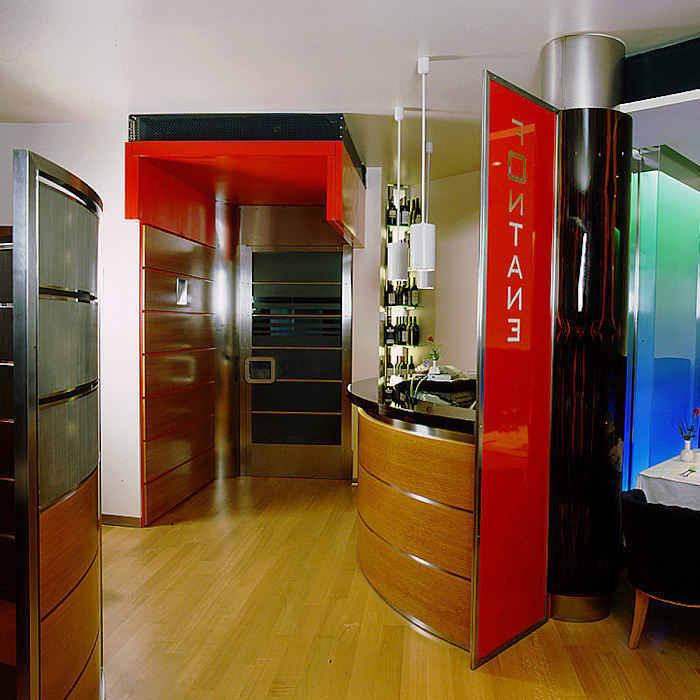 Ristorante realizzato da NIVA-line: Gastronomia in stile  di Ni.va. Srl