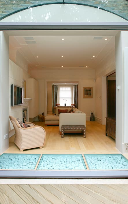 Belsize Park:  Living room by Hélène Dabrowski Interiors, Modern