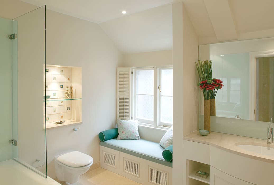 Belsize Park:  Bathroom by Hélène Dabrowski Interiors