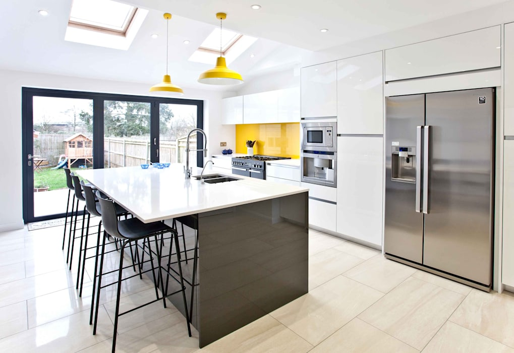 Bright, clean, contemporary:  Kitchen by Pyram