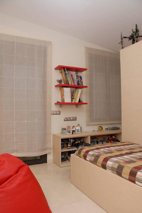 Casa en Premià de Mar 2008: Dormitorios infantiles de estilo  de VETZARA 3 S.L.