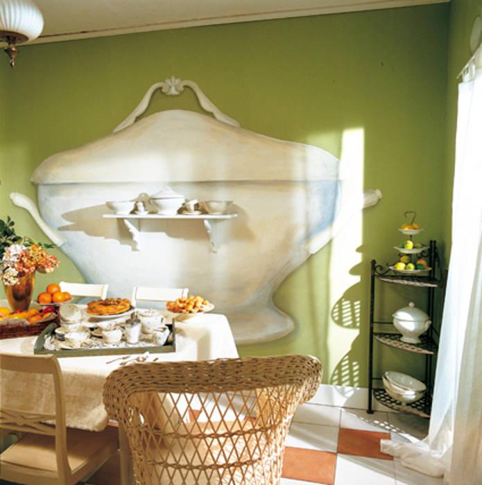 Trompe l'oeil cucina: Cucina in stile in stile Eclettico di INTERNO78.IT - DECORAZIONI D'INTERNI