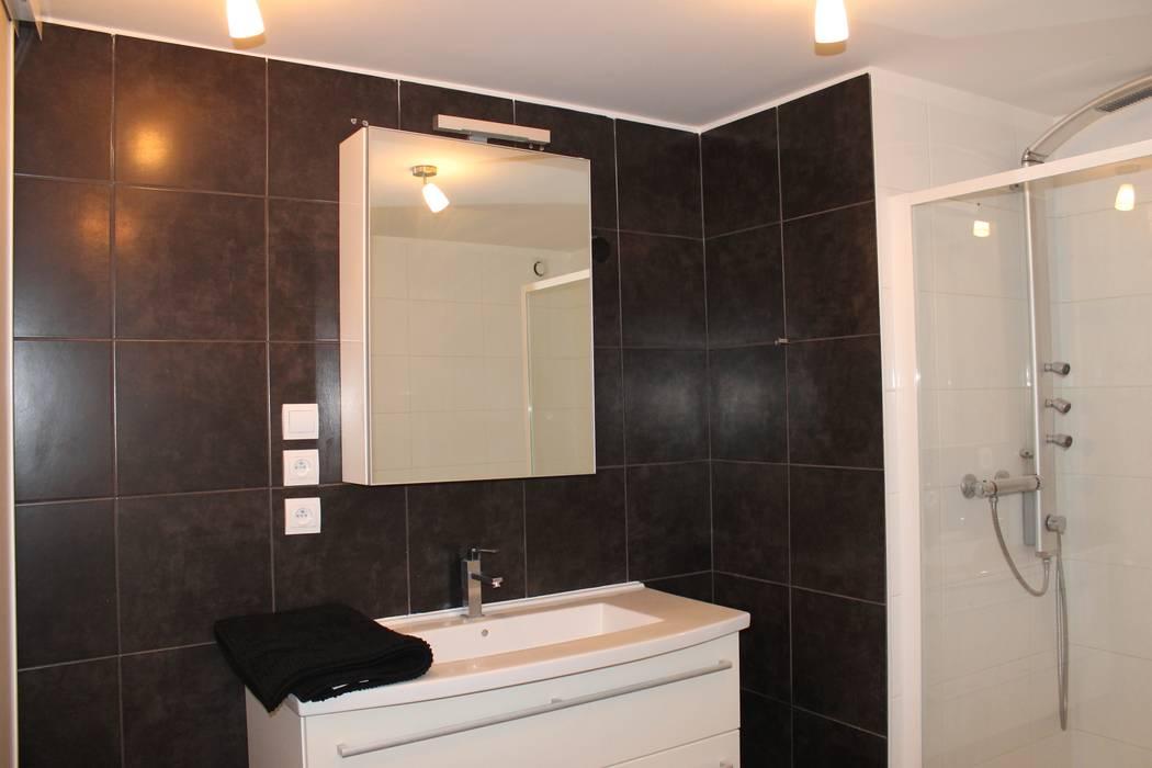 Salle De Bain Salle de bain moderne par Agence ADI-HOME Moderne