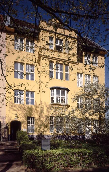 Straßenfassade Koloniale Häuser von Gabriele Riesner Architektin Kolonial