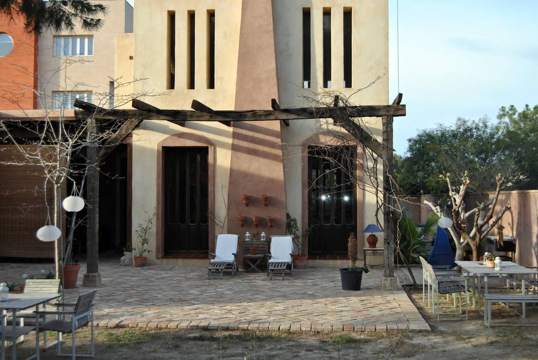 Fachada Anticuable.com Balcones y terrazas de estilo mediterráneo