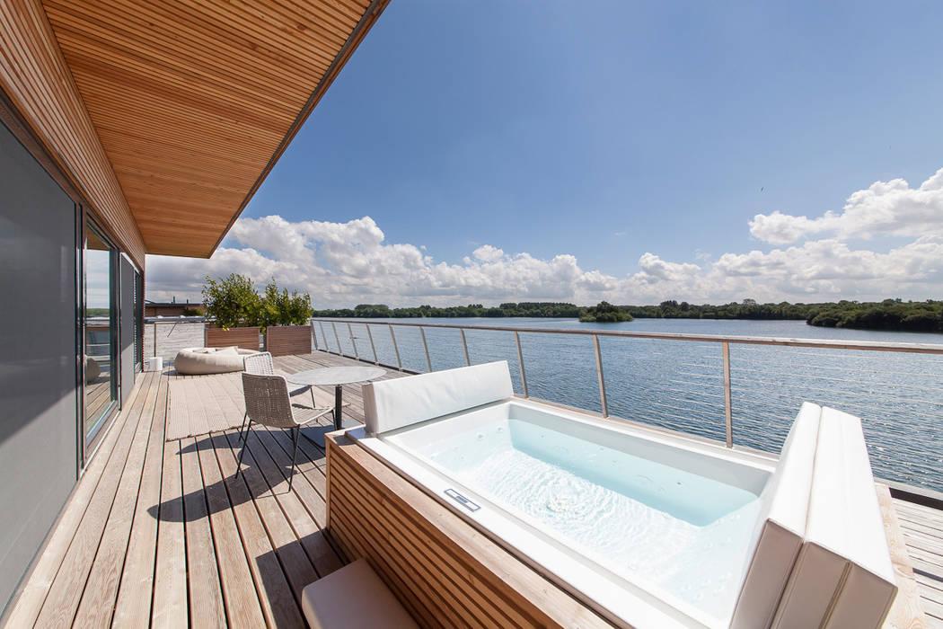 Lakes By Yoo 2 Balcony, veranda & terrace by Future Light Design