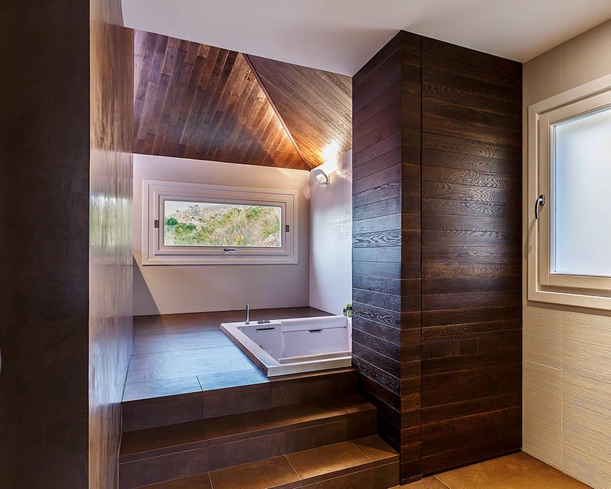 Bagno della camera da letto: Bagno in stile  di Studio 4e,