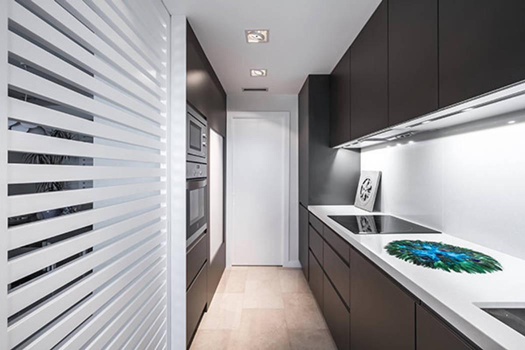 Cocina Casas de estilo moderno de Laura Yerpes Estudio de Interiorismo Moderno