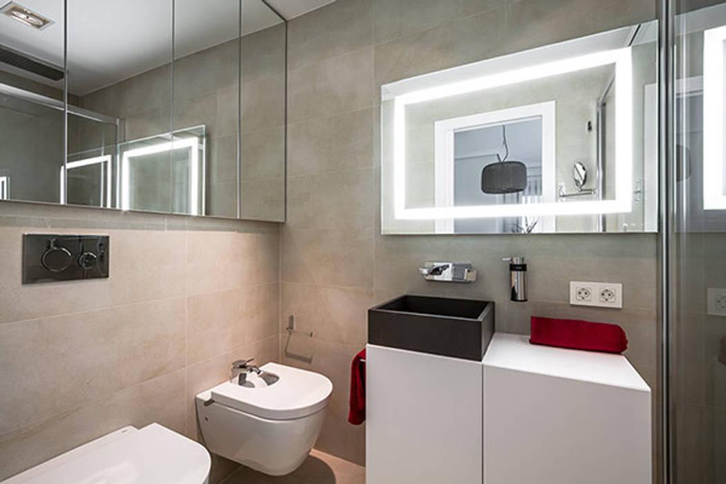 現代房屋設計點子、靈感 & 圖片 根據 Laura Yerpes Estudio de Interiorismo 現代風