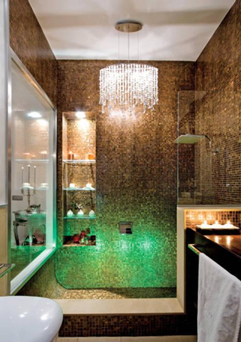 Ambiente doccia: Case in stile in stile Moderno di Venezia Tre