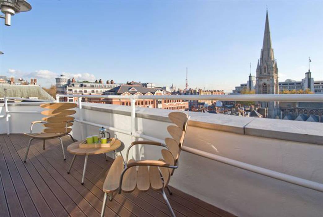 PROJECT: Penthouse in London's West-End. Modern balcony, veranda & terrace by Anna Hansson Design Modern