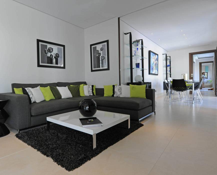 Quinta do Lago Modern living room by Cheryl Tarbuck Design Modern