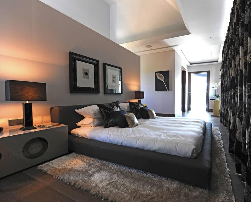 Quinta do Lago Modern style bedroom by Cheryl Tarbuck Design Modern