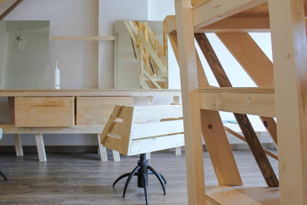 A Catanzaro tirava forte il vento : Negozi & Locali commerciali in stile  di DettoFatto Lab