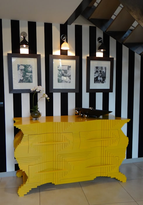 ULTRA DESIGN PRÈS D'ANGERS: Maisons de style  par UN AMOUR DE MAISON, Éclectique