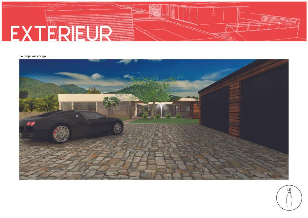 Entrée de la résidence: Maisons de style de style Moderne par LE LAB Design