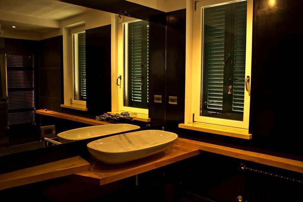 l.o.f.t.: Bagno in stile in stile Industriale di deltastudio
