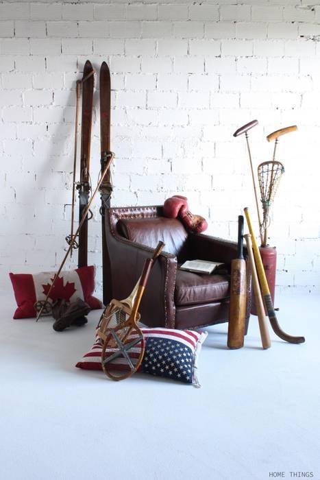 Butaca de cuero con elementos vintage HOME THINGS SalonesSofás y sillones