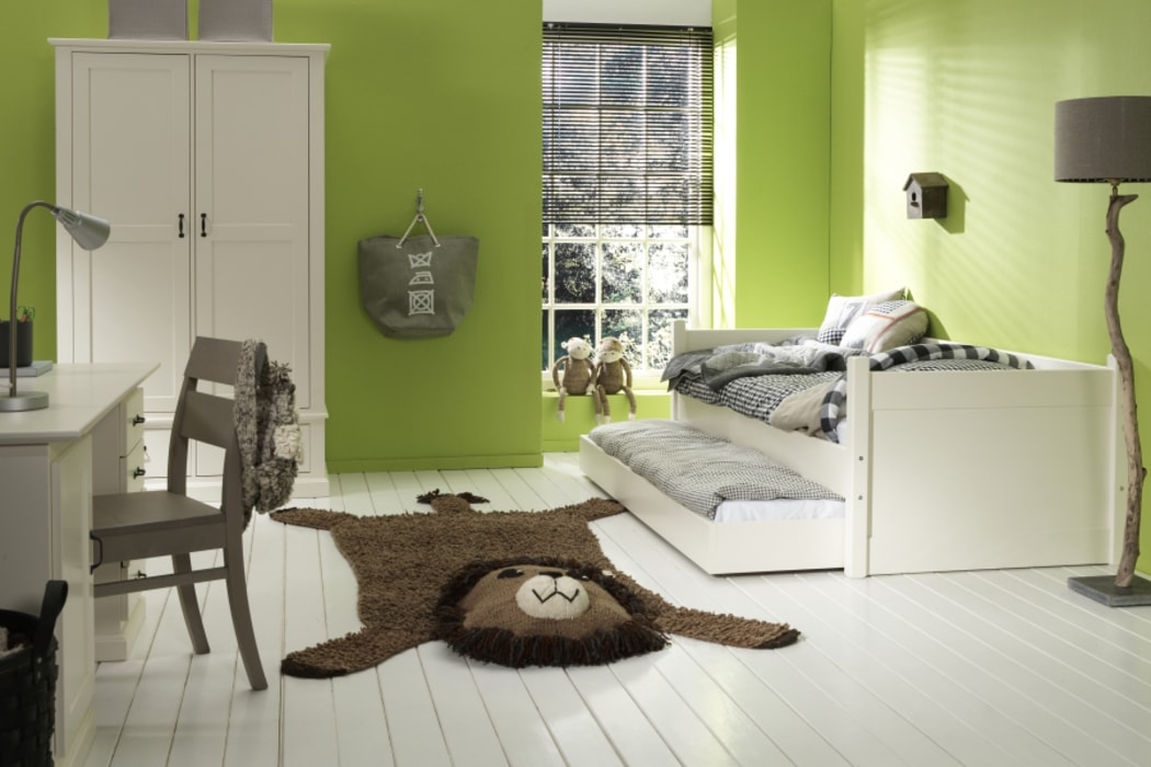 Classic style nursery/kids room by homify Classic