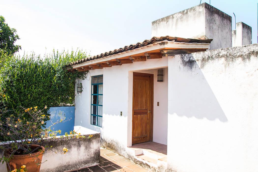 Śródziemnomorskie domy od Mikkael Kreis Architects Śródziemnomorski