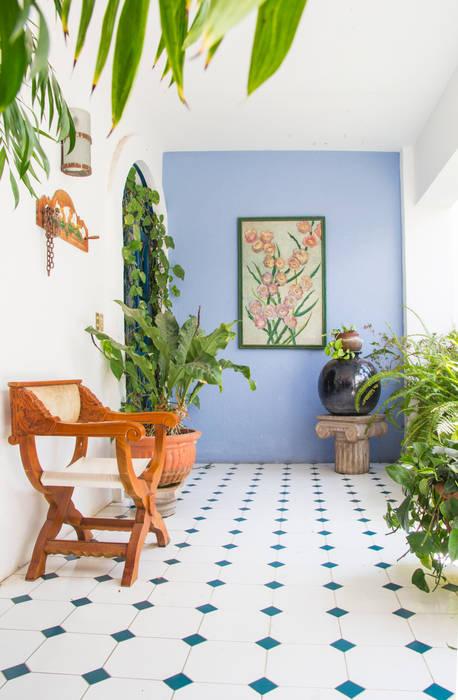 Bienvenidos ! Mikkael Kreis Architects Pasillos, vestíbulos y escaleras de estilo ecléctico