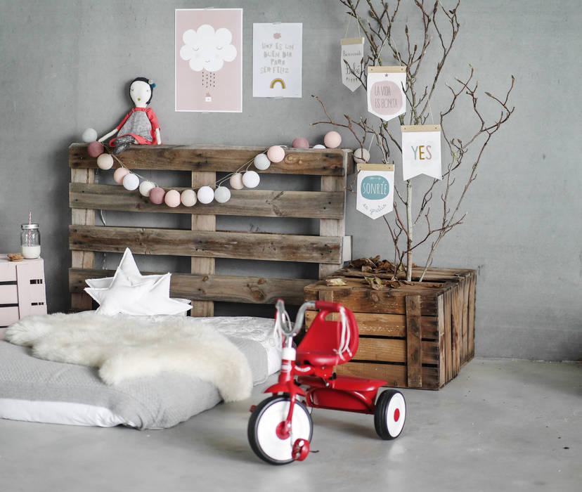 Inspiración Menudos Cuadros: Habitaciones infantiles de estilo  de Menudos Cuadros,