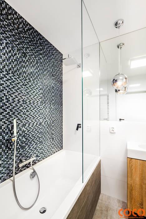 Lazurowe mieszkanie: styl , w kategorii Łazienka zaprojektowany przez COCO Pracownia projektowania wnętrz,Nowoczesny