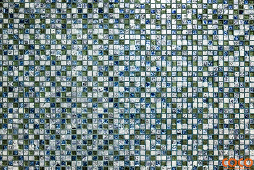 Lazurowe miszkanie: styl , w kategorii Ściany zaprojektowany przez COCO Pracownia projektowania wnętrz