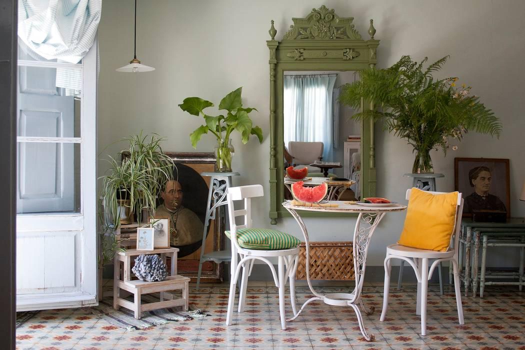 Bed & Breakfast en La Rioja Comedores de estilo mediterráneo de Casa Josephine Mediterráneo