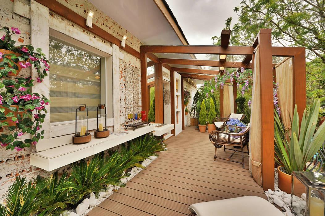 Balcones y terrazas de estilo rústico de Bender Arquitetura Rústico