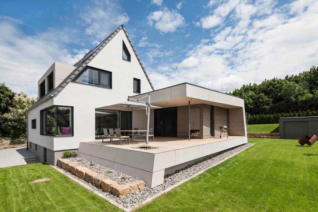 Außenansicht mit terrasse moderne häuser von wukowojac ...