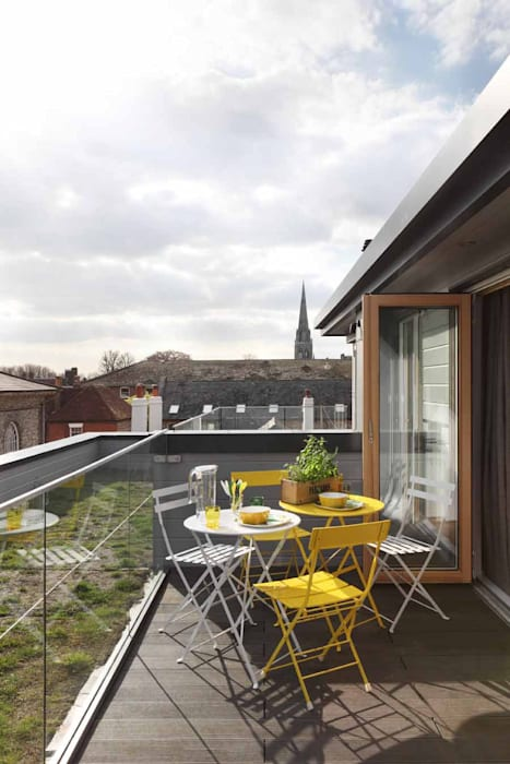 Pascoe Interiors Chichester Printworks townhouse:   by Pascoe Interiors