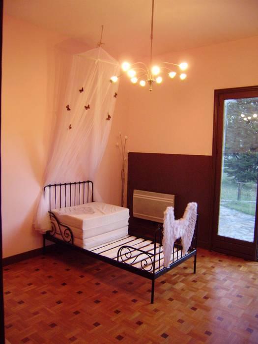 Chambre d'enfant: luminaires: Chambre d'enfant de style  par DK2DECO