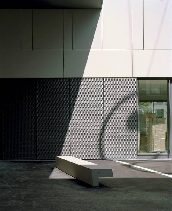Passage tagsüber Moderner Garten von grabner huber lipp landschaftsarchitekten und stadtplaner partnerschaft mbb Modern