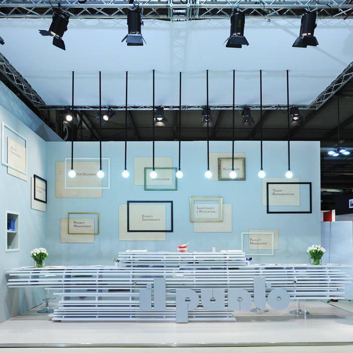 punto 11 Allestimenti fieristici moderni di Principioattivo Architecture Group Srl Moderno