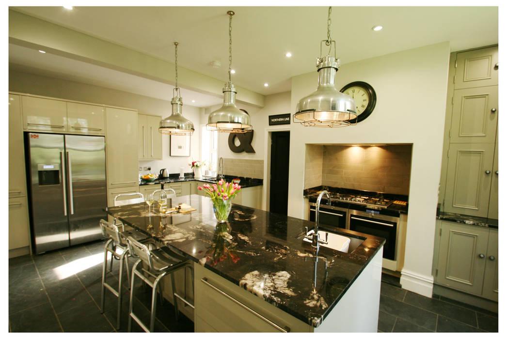 KITCHEN: industrial Kitchen by chris kearns interior design (ck-id)