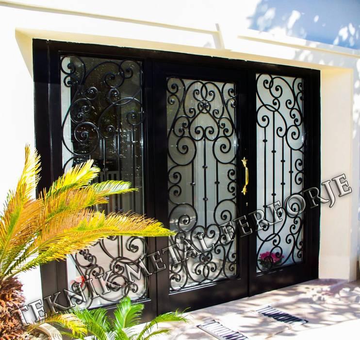 Puertas y ventanas clásicas de Teknik Metal Ferforje Clásico