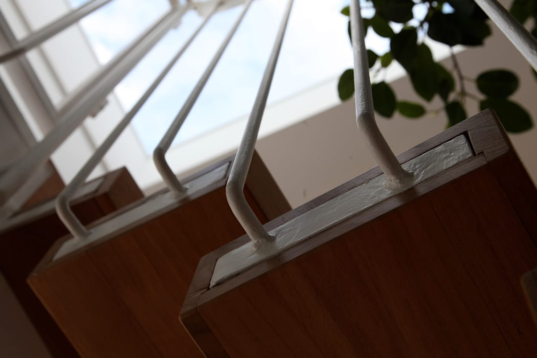 la scala: Ingresso & Corridoio in stile  di m12 architettura design