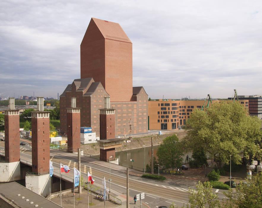 Landesarchiv NRW Industriale Bürogebäude von Ortner & Ortner Baukunst Ziviltechnikergesellschaft mbH Industrial