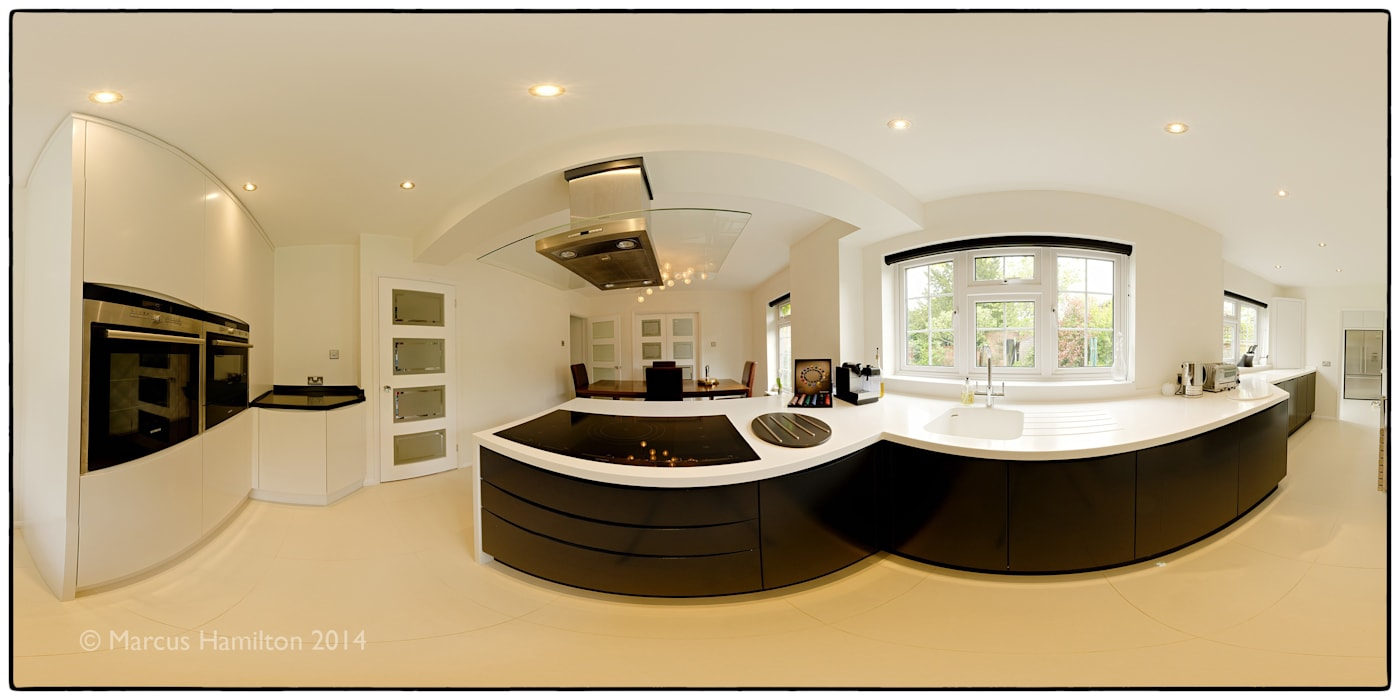 Bespoke Kitchen:  Kitchen by Hamilton 360