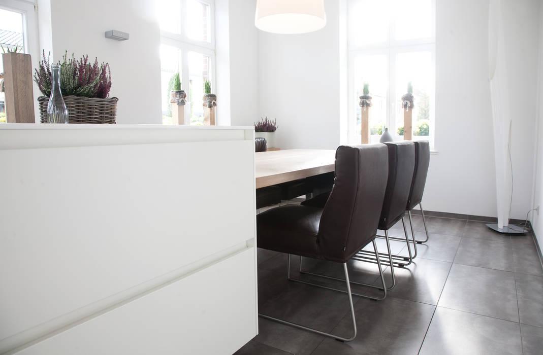 KFF D-Light: modern  von KwiK Designmöbel GmbH,Modern