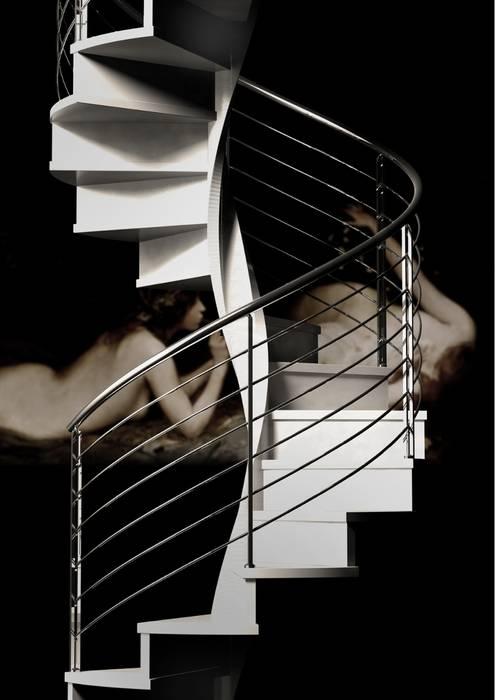 Escalera helicoidal de madera Enesca Vestíbulos, pasillos y escalerasEscaleras