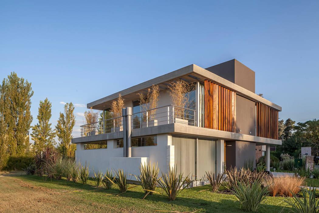 Casas  por ESTUDIO GEYA