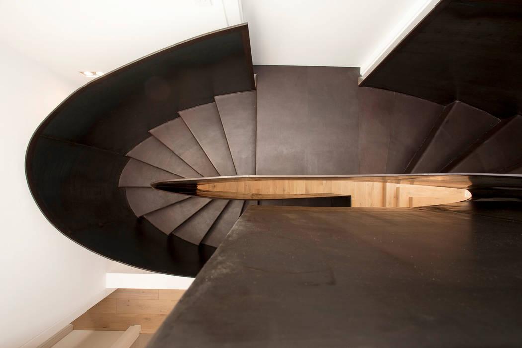 Kensington Residence Modern corridor, hallway & stairs by Link Photographers Modern