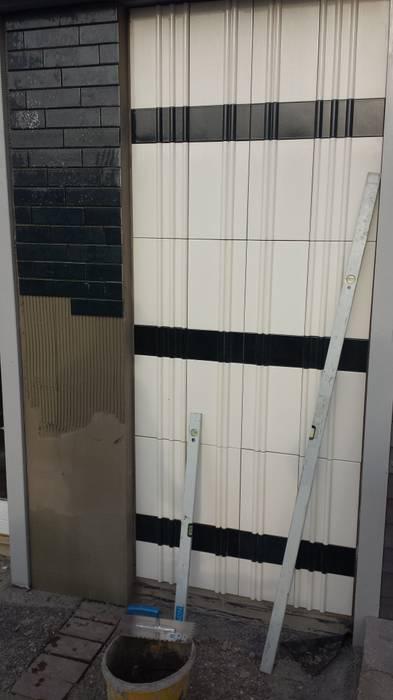 Wandverkleidung mit 3d VESELY! ceramics:  Bürogebäude von VESELY Fassadenagentur