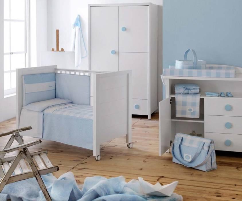 Colección Bebé Azul de Cambrass: Dormitorios infantiles de estilo  de DINDONBEBE